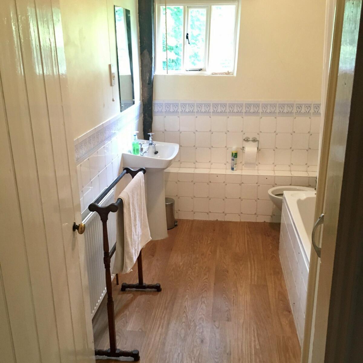 The Game Larders Bathroom