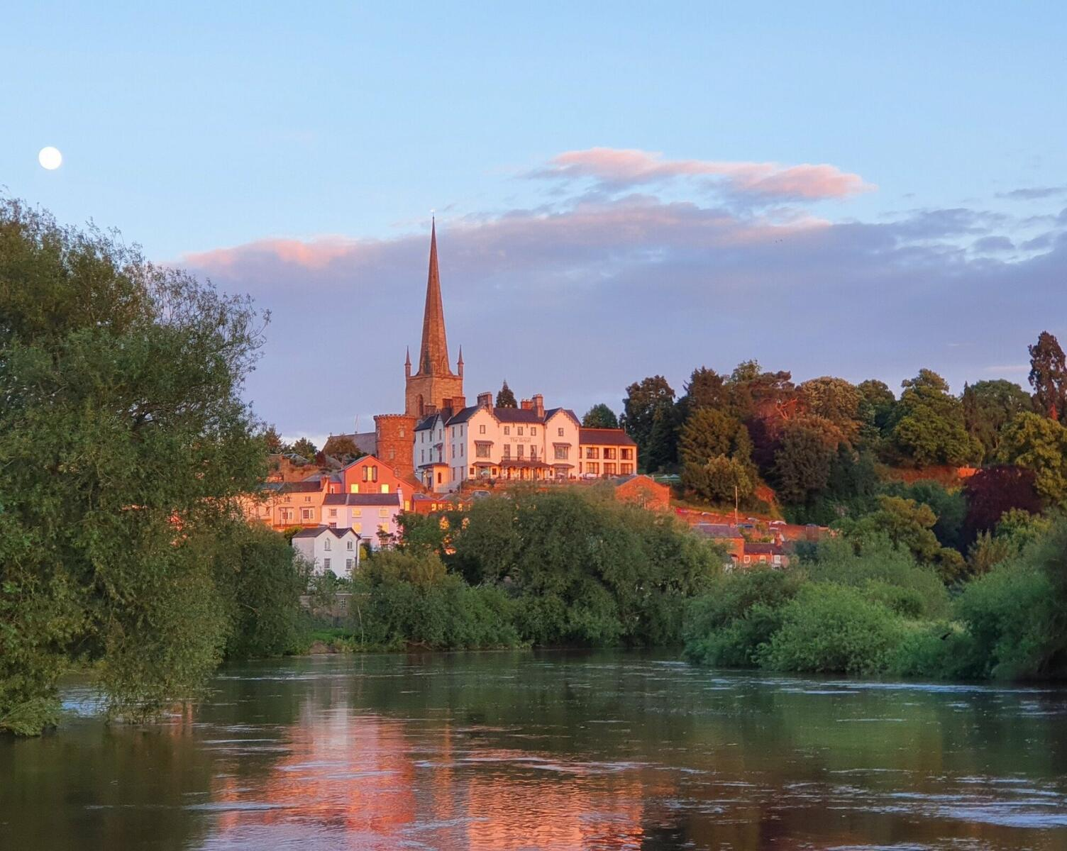 Paddle to, from or through Ross-on-Wye