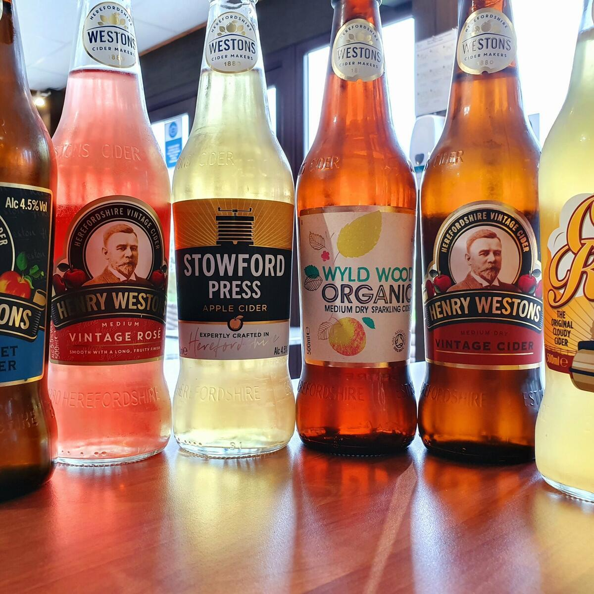 Selection local ciders