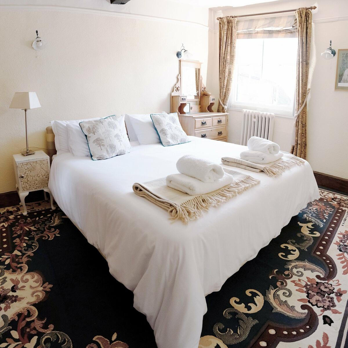 The Oak Room ( twin or superking) is the optional 3rd bedroom in Holly Lodge.