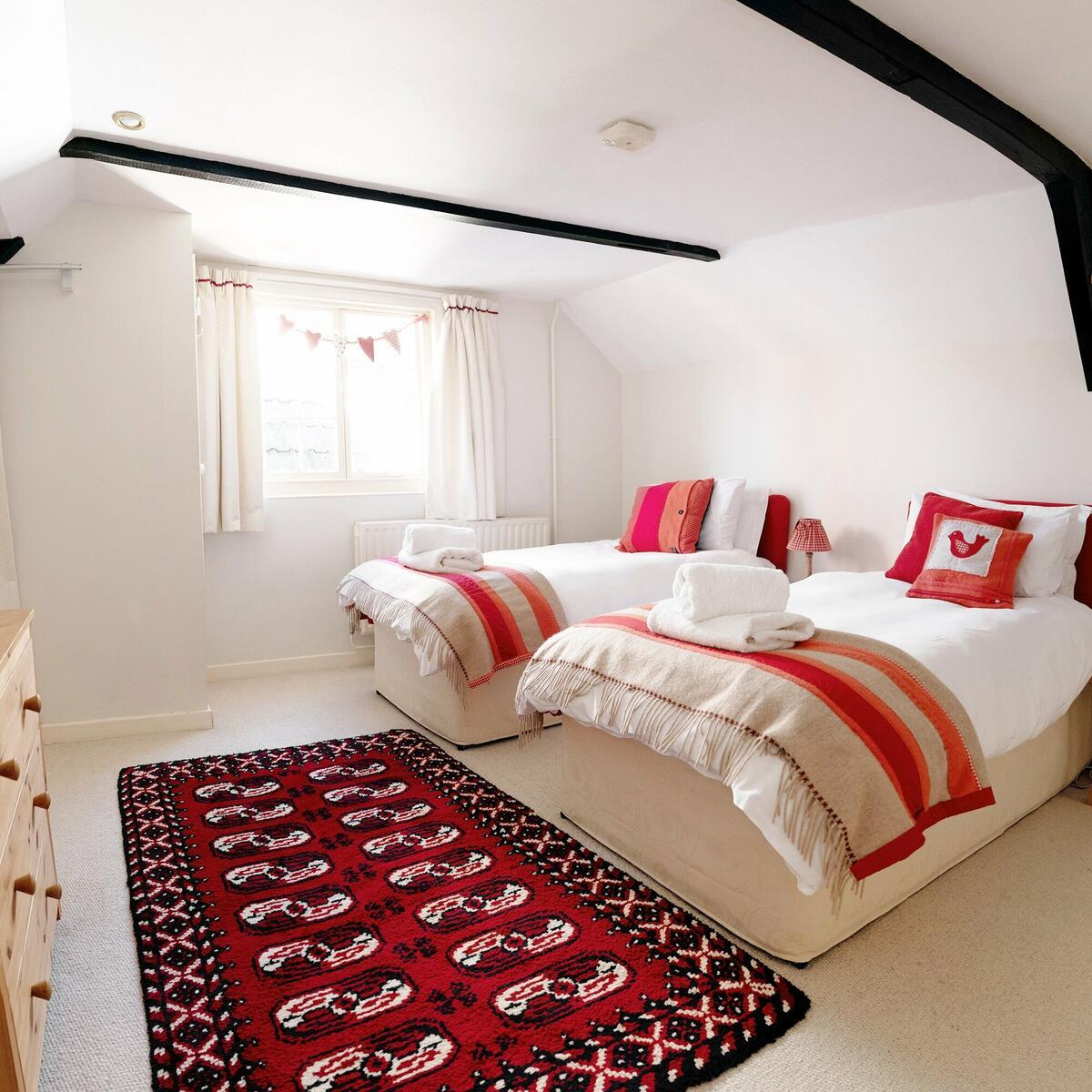 The Bakehouse bedroom can be prepared with twin beds or a superking bed.