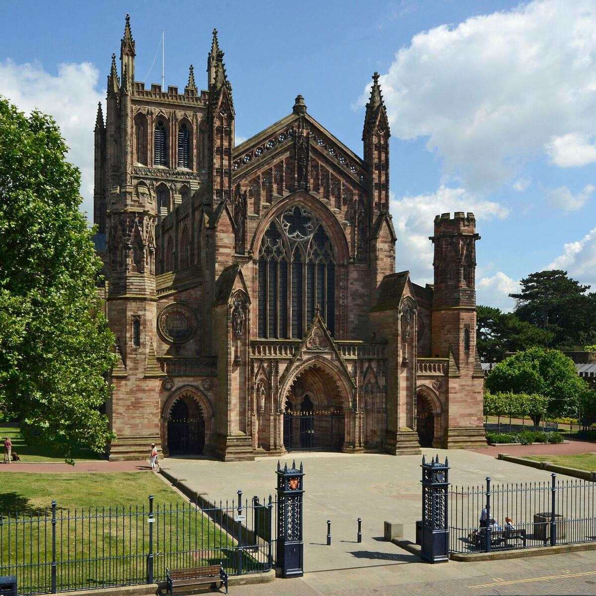 Hereford Cathedral by Gordon Taylor