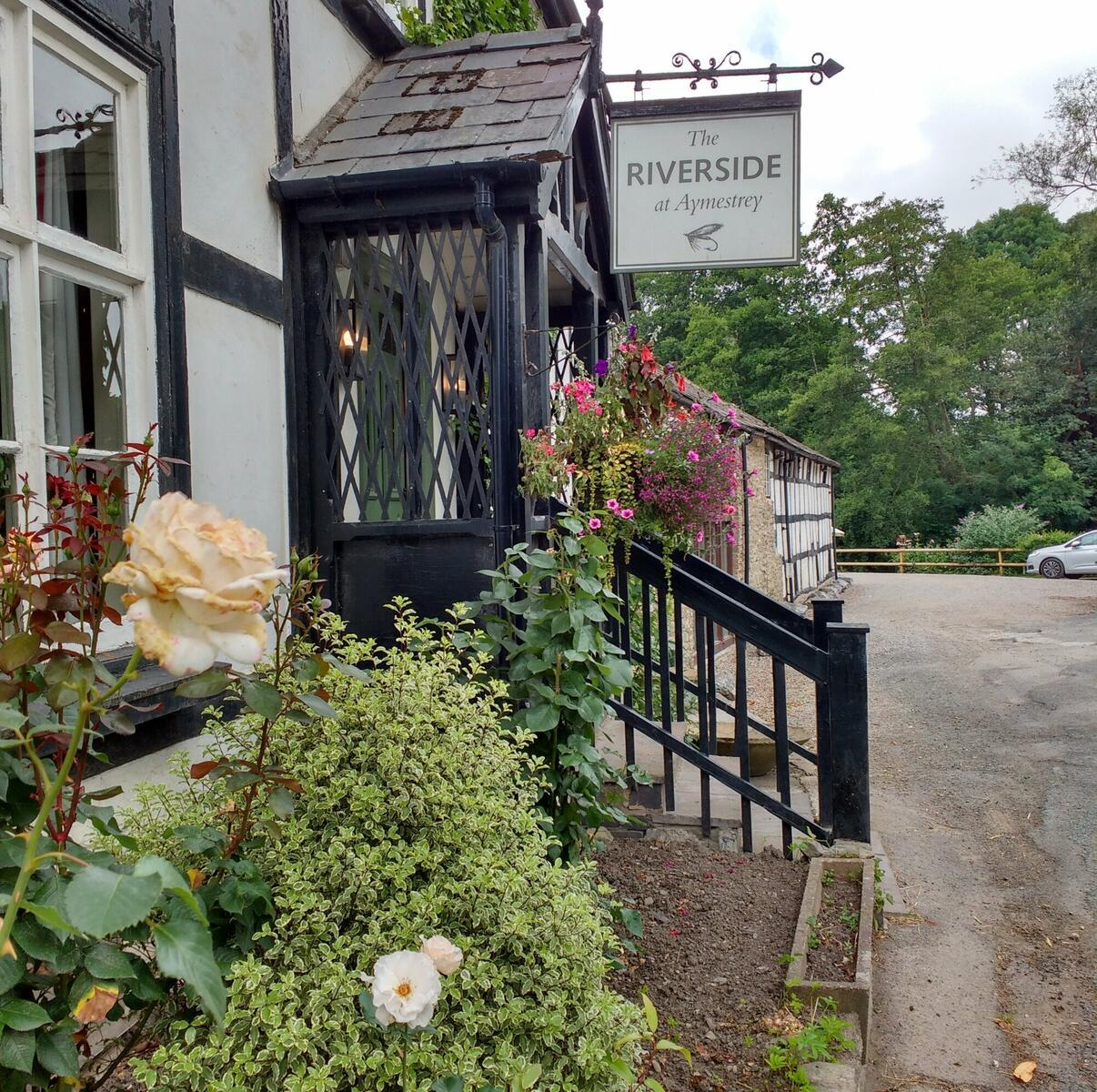Cycle to a riverside Inn
