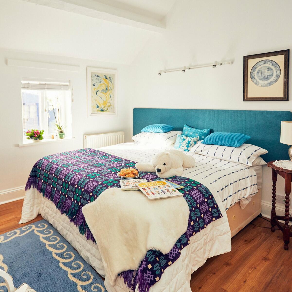 Apple Bough Superking bedroom