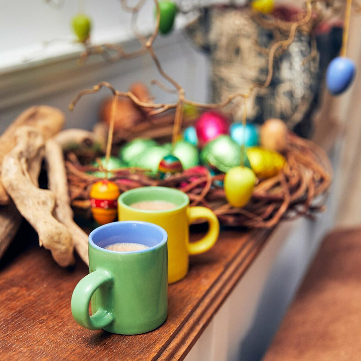 Seasonal decoration, Easter ready - hot chocolate, eggs and marshmallows