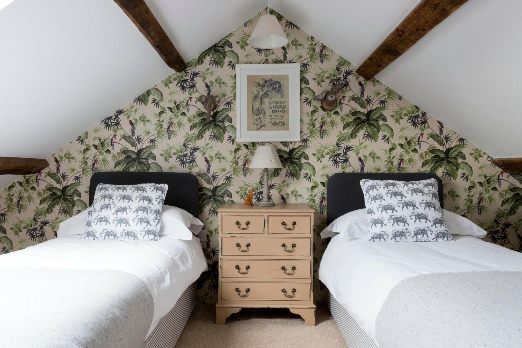 The Stables Bedroom 3