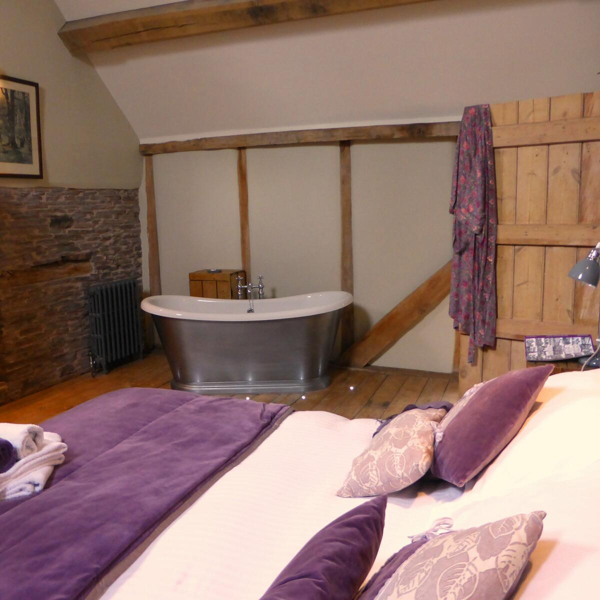 One of the ensuite bedrooms in Cothill Barn