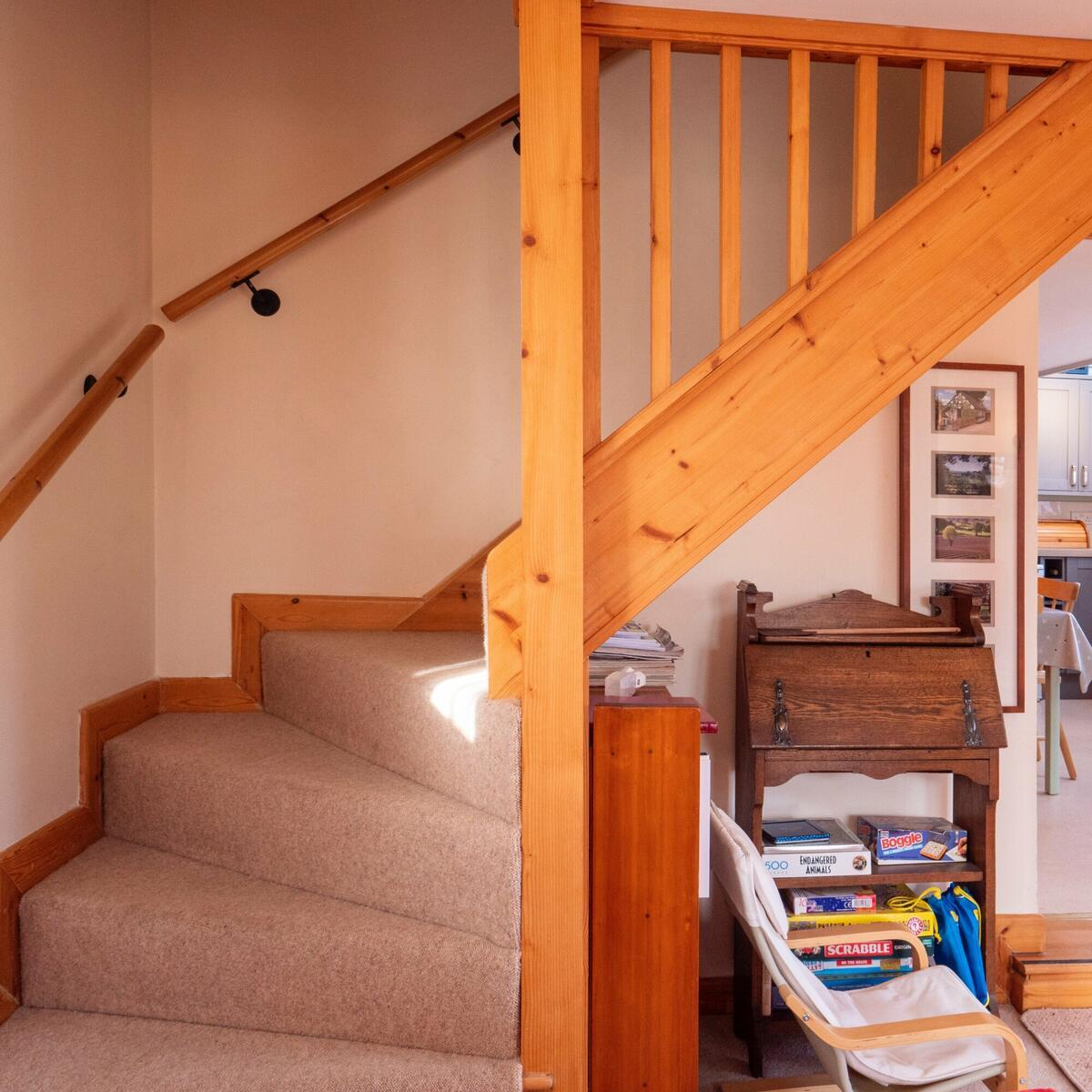showing the tight turn on the stairs